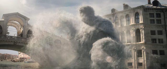 Scena-del-film-Spider-Man-Far-from-Home-Mysterio-crea-effetti-speciali-a-Venezia-2019-Recensione-Comparata